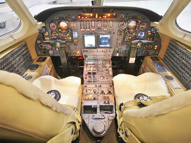 1984 Citation III S/N 650-0037 (Cockpit View)
